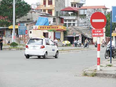 Biển báo giao thông hình tròn ( Biển báo cấm)